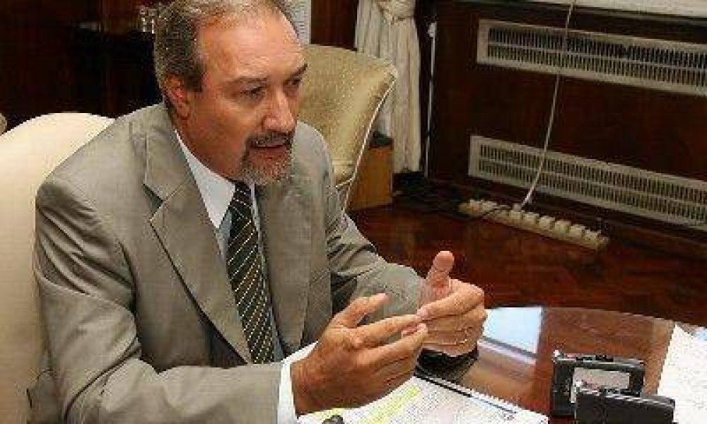 El gobernador Celso Jaque vetó parcialmente un artículo del Presupuesto