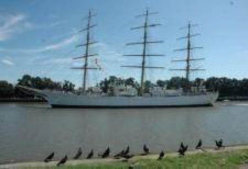 "La fragata ""Libertad"" inicia su viaje n�mero 41"