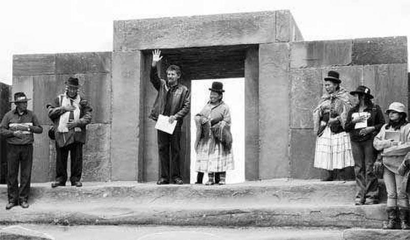 Evo asume para los originarios de Bolivia