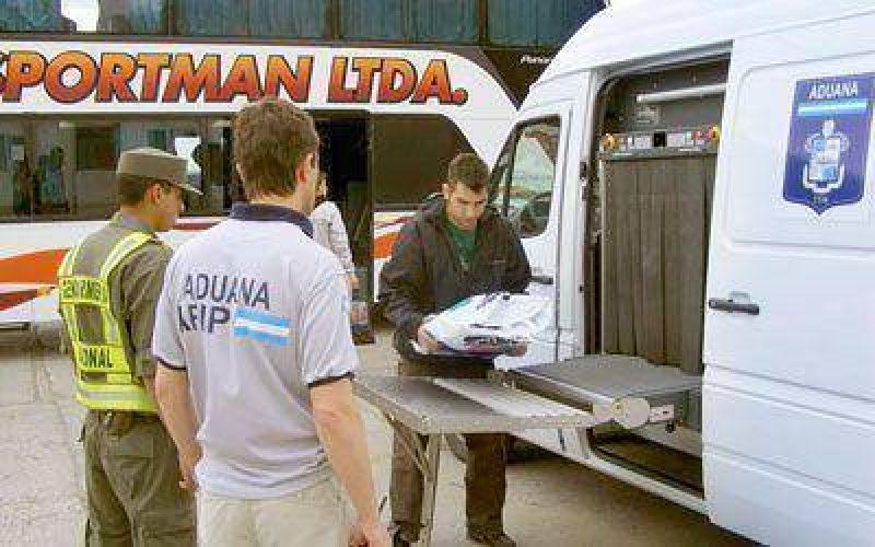 La Aduana se sumó a operativos de control en el acceso a Caleta
