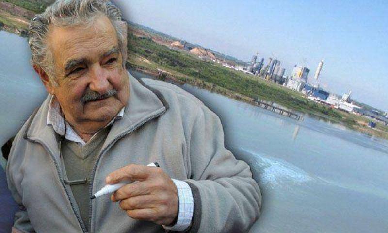 """Conflicto por Botnia: Mujica dijo que no negociar� """"con piqueteros"""""""