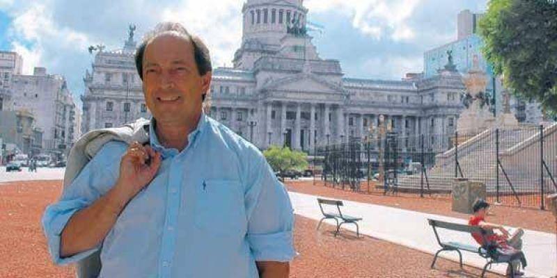 """Sanz: """"El Gobierno est� metido en un negocio fenomenal con Telecom"""""""