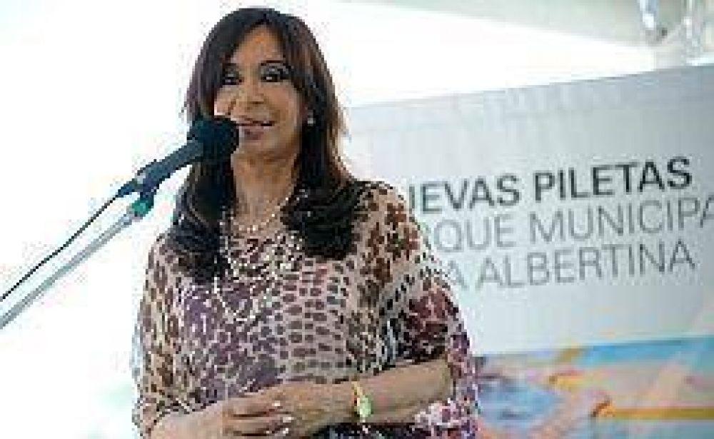 Cristina cargó duro contra la oposición y aseguró que seguirá adelante con el Fondo del Bicentenario