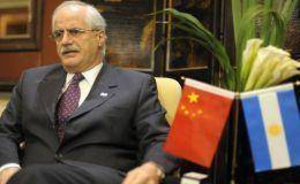 Argentina y China firmaron acuerdos por minería y trenes