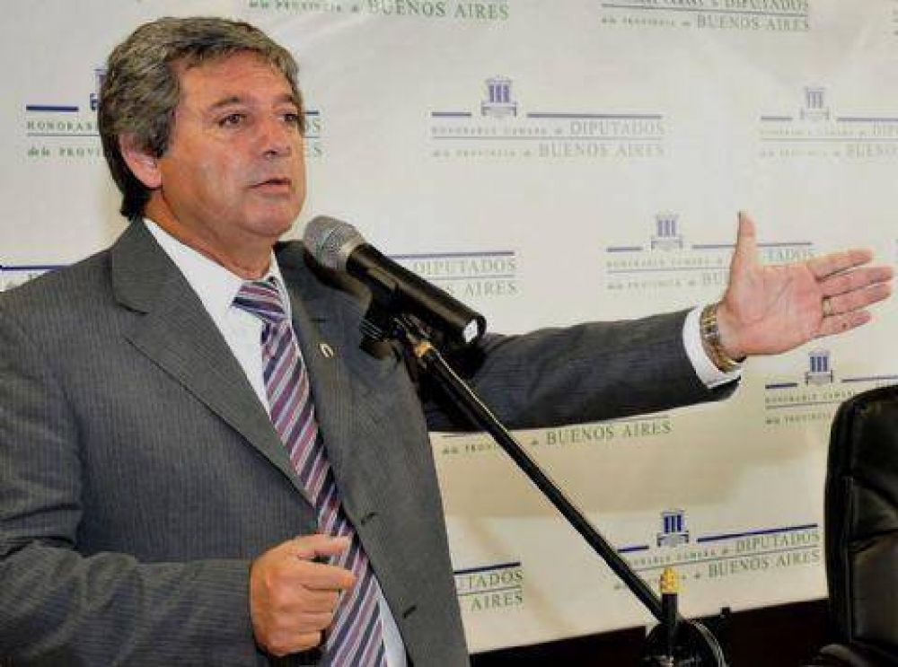Horacio González se reunió con intendentes y diputados