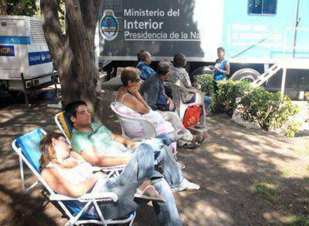 Polémica por el funcionamiento del centro móvil de DNI