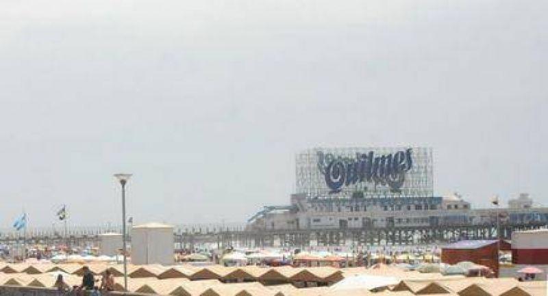 Retirarán el cartel de la cerveza Quilmes ubicado en el espigón de Punta Iglesia