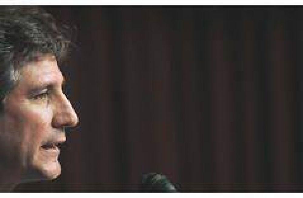 La ANSeS sigue financiando al Tesoro: renovó vencimiento por u$s 400 millones