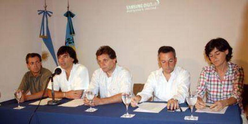 Pulti presentó innovador proyecto para cambiar Playa Grande