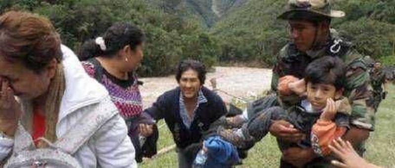 Los argentinos varados en Perú duermen en las plazas y en vagones de tren