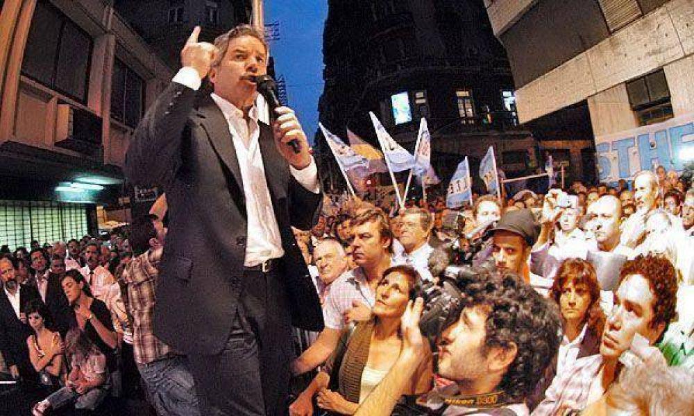 "Para Felipe Solá, Cobos se ""achica"" ante los pedidos de la Presidente"