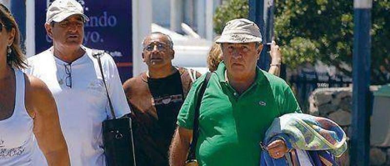 Duhalde planifica la lucha contra el delito, asesorado por un general en actividad