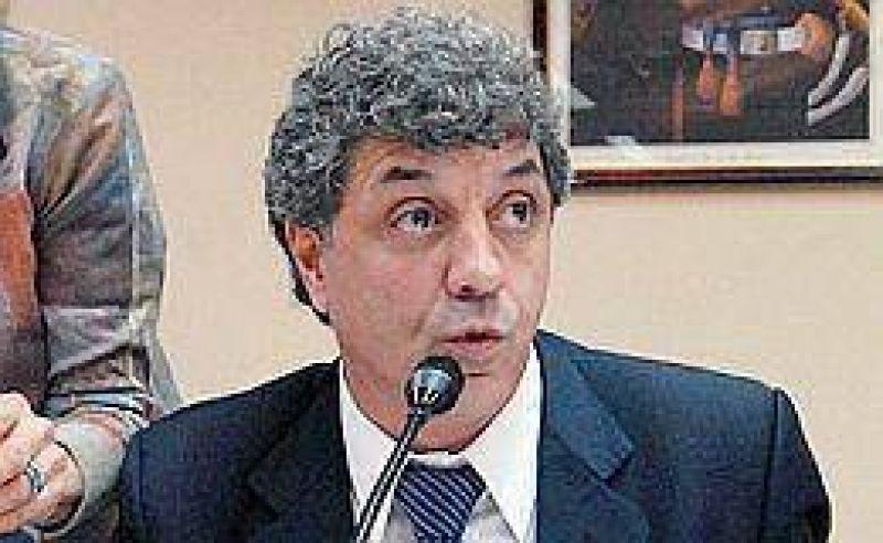 Gobierno insistió en que no aceptará la renuncia de Redrado