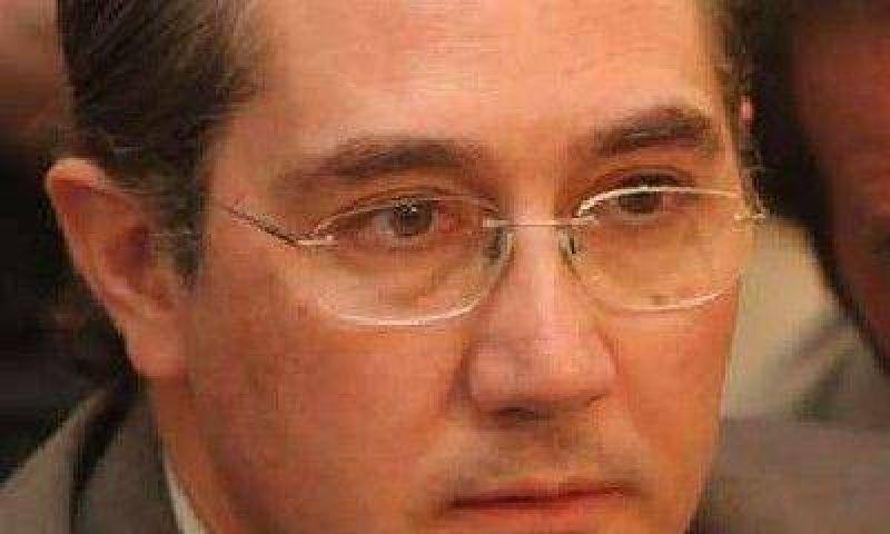 Jorge Tan�s, a cargo del Ejecutivo, ante la ausencia de Jaque, Racconto y Gallardo
