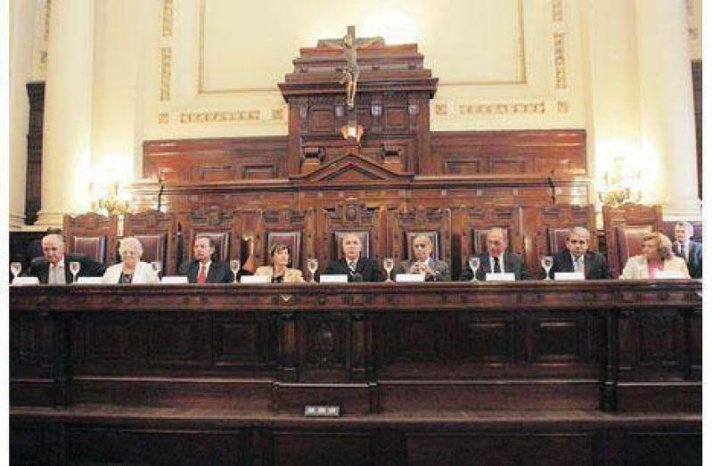 La Corte dej� en manos del Congreso el destino de las reservas del BCRA