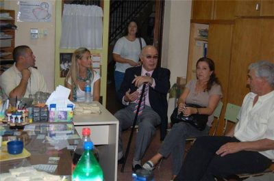 La Escuela Nº 1 recibió 90.000 pesos del gobierno provincial