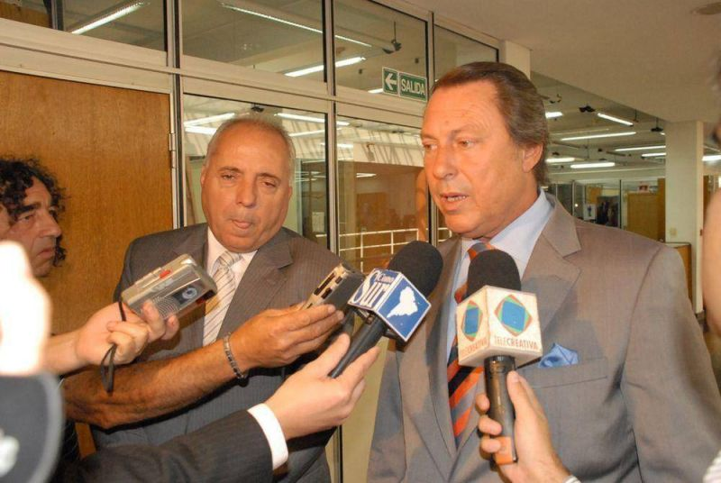 Presidente Per�n - Entrega y firma de escrituras     Casal y Regueiro entregaron t�tulos de propiedad