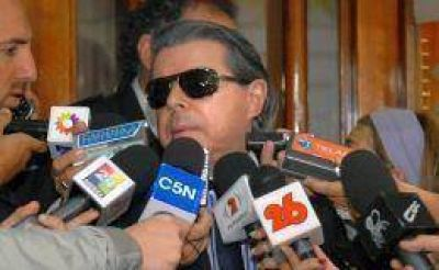 Oyarbide dice que no ventiló datos judiciales