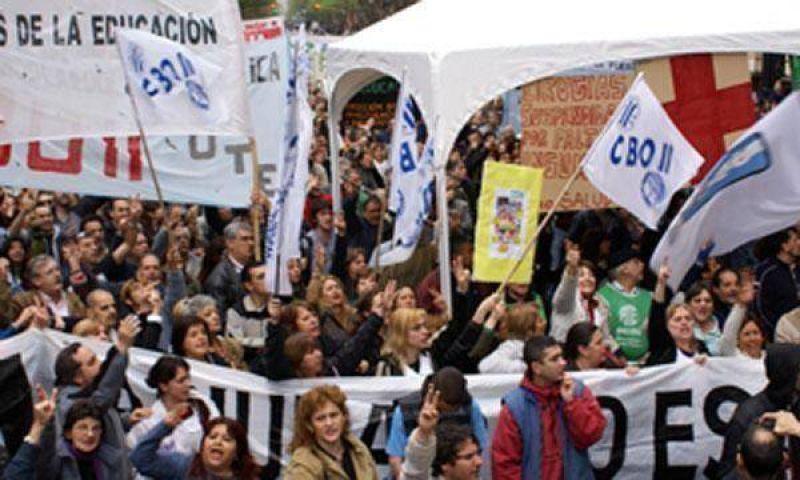 Ciudad: hoy paran docentes por la discusión salarial