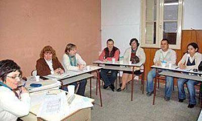 Positivo encuentro de la Unidad Educativa de Gestión Distrital