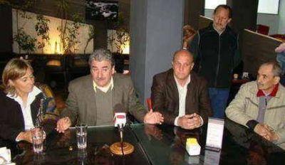 El diputado Carlos Nivio del PS y Ana Otazúa del GEN visitaron Balcarce