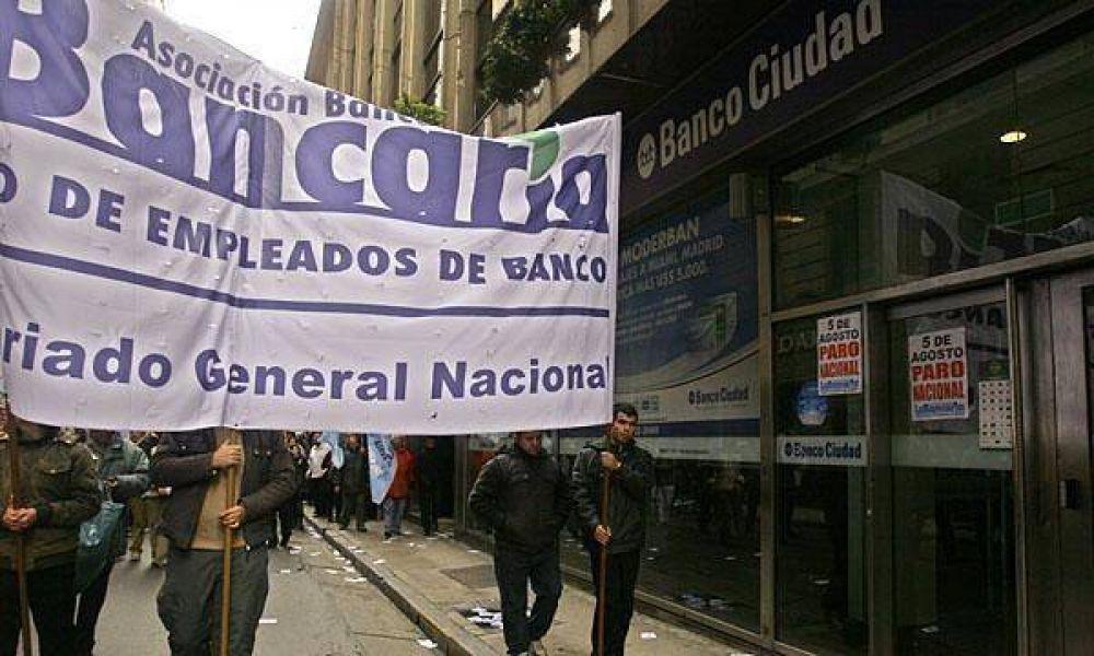 Desborde sindical: tras el paro, bancarios buscarán acordar un nuevo aumento de sueldo