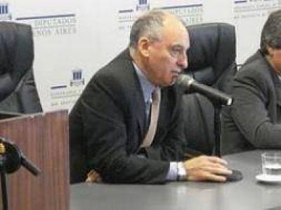Diputado Cura busca candidatos del felipismo para que encabecen las listas en la s�ptima secci�n
