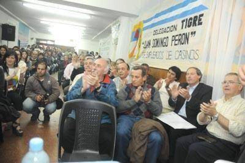 Gremios apoyan la candidatura de Daniel Scioli para el 2011
