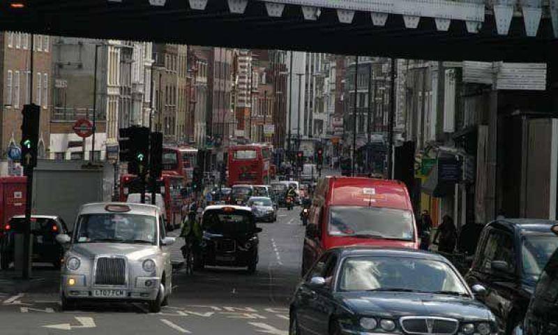 Gran Bretaña reducirá el IVA y otros impuestos contra la crisis financiera