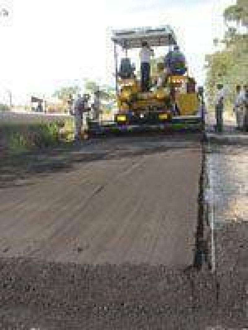 Comenzó obra de asfalto sobre la calle Ascasubi