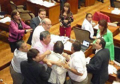 Bochornosa sesión en la Legislatura de Jujuy