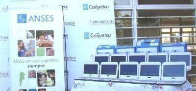 Entregaron más de 400 netbooks en Máximo Paz