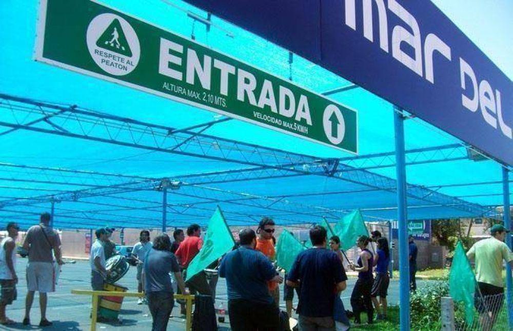 Ruidosa protesta del SMATA en la nueva Terminal