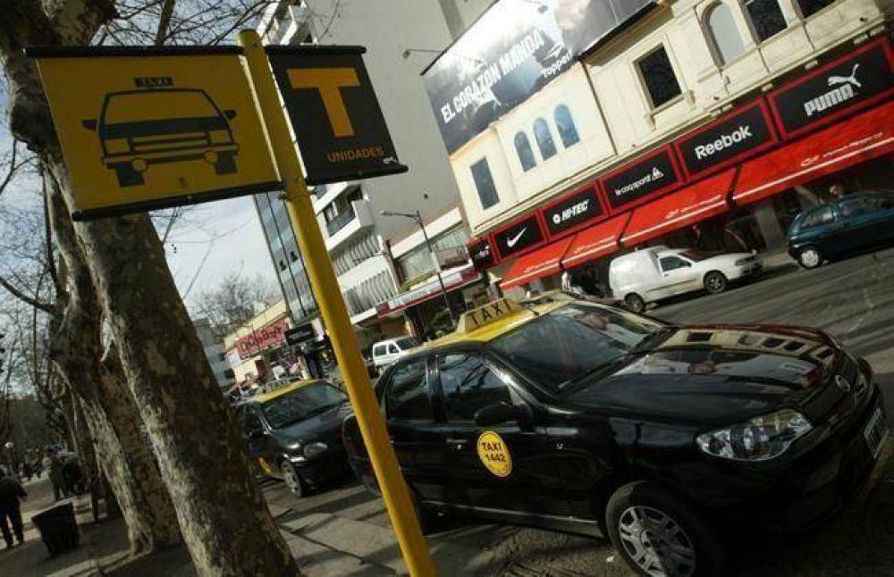 Taxistas se movilizan