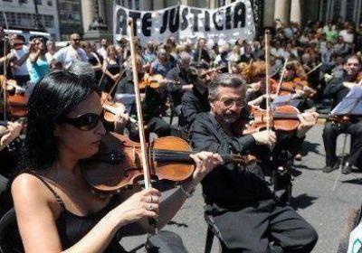 Trabajadores del Col�n denuncian a Macri por 'actitudes dictatoriales'