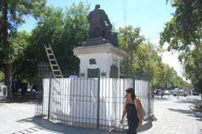 Funcionarios internacionales y nacionales en el homenaje a Sarmiento