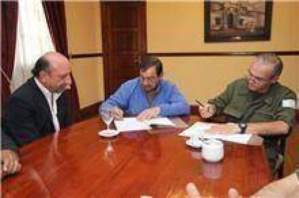 El intendente Isa firmó un convenio de cooperación con el Ejército