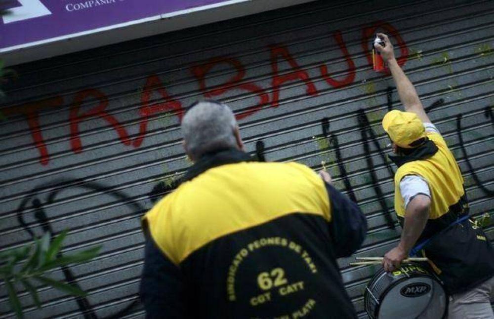Taxistas llevaron a cabo escrache y movilización