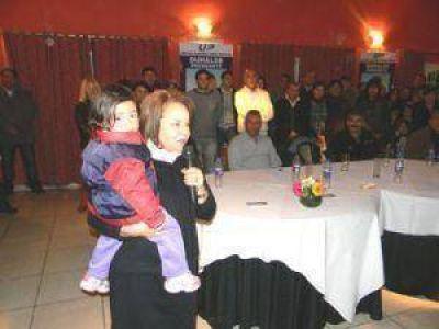 Zisuela lanz� su candidatura con Chiche Duhalde