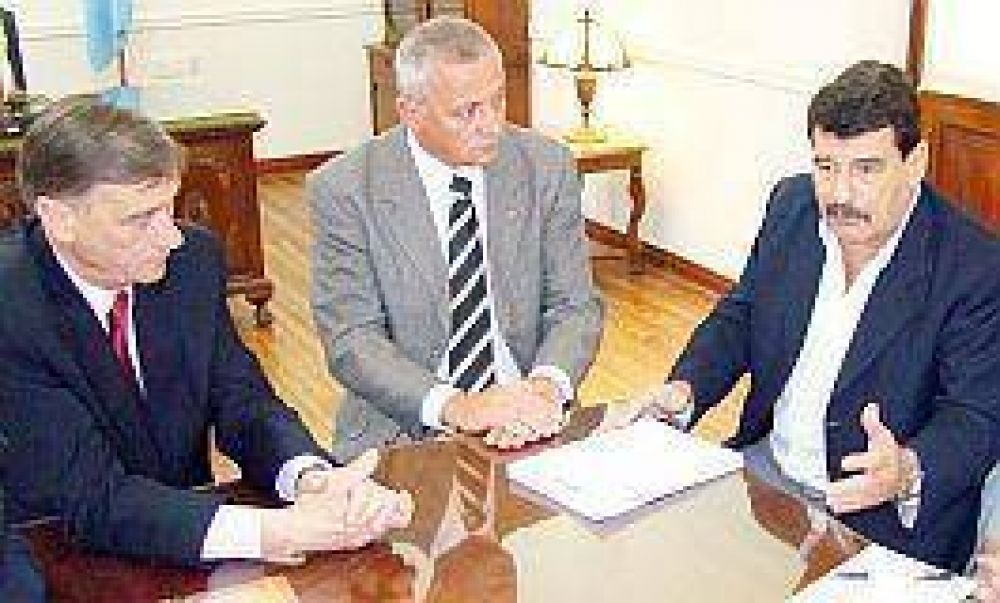 EL GOBIERNO Y CORENOSA  Acordaron trabajar juntos para la región
