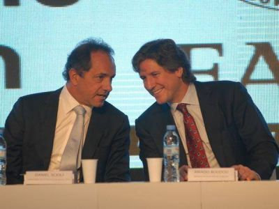 Boudou y Scioli viajan a Bahía Blanca para reunirse con intendentes