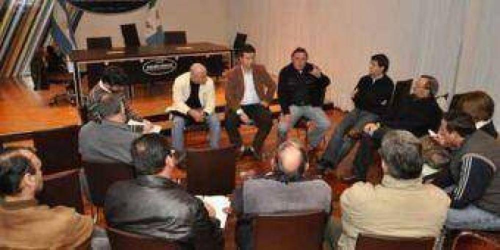 Aguilar se reunió con empresarios de la industria metalmecánica