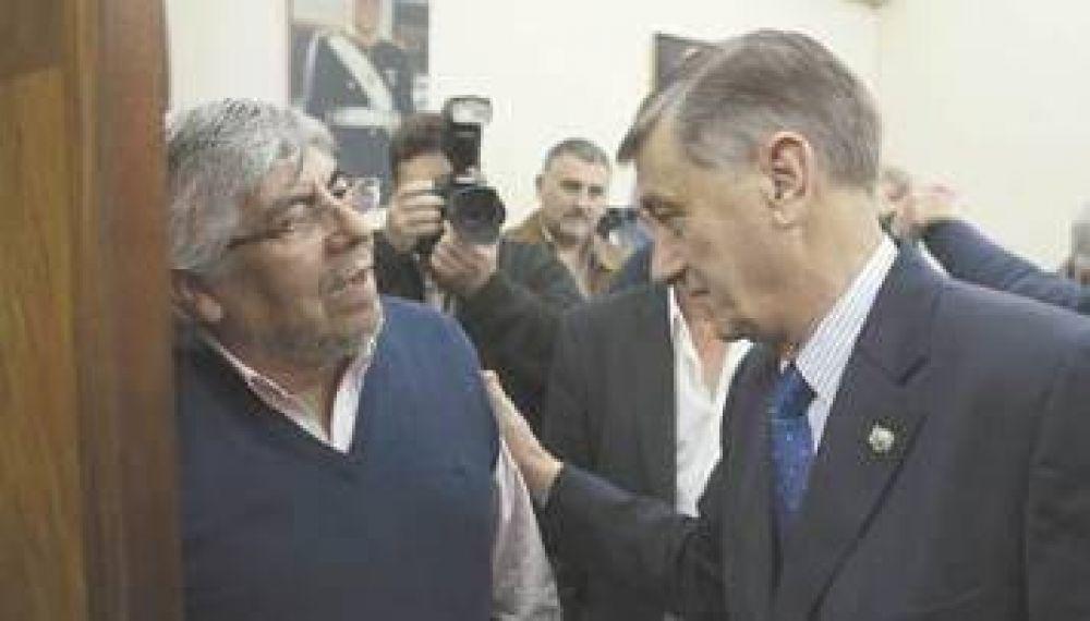 Moyano le abrió la puerta a Binner pero no recibirá a otros candidatos