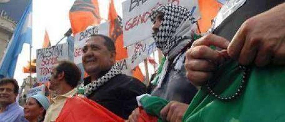 D'Elía encabezó una marcha de protesta contra Israel