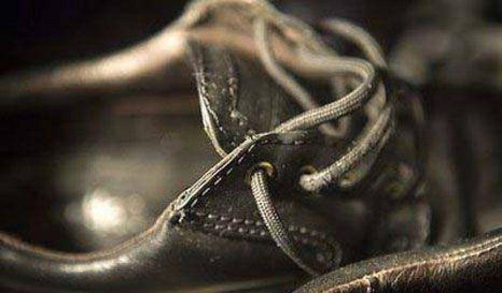 Regalo de Reyes: Cristina lanzaría un zapato estudiantil modelo anticrisis
