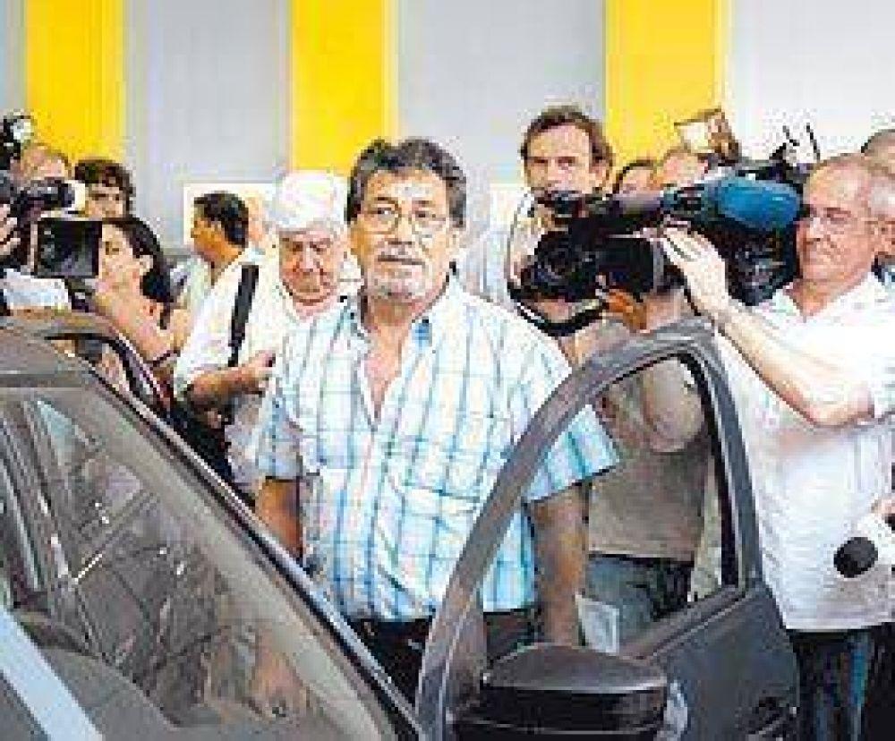 Enviados de Moreno vigilarán que se venda bien el plan 0km