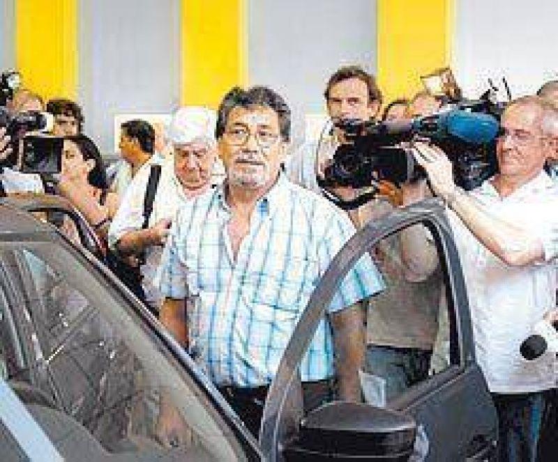Enviados de Moreno vigilar�n que se venda bien el plan 0km