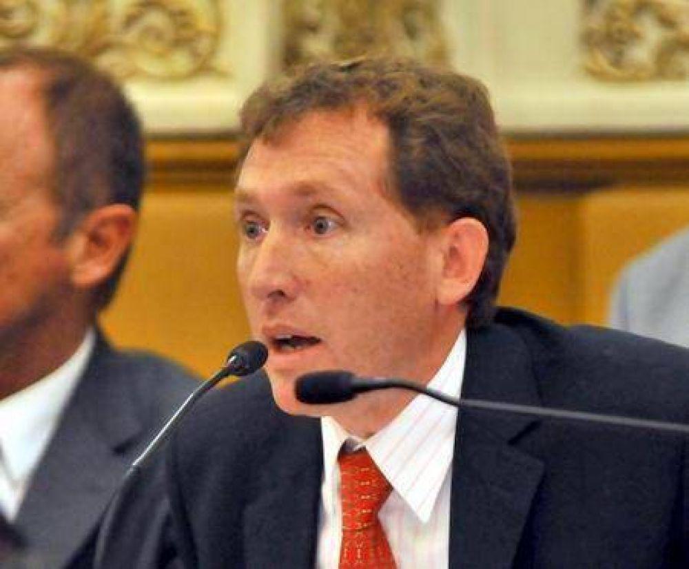 """Dante Rossi: """"La venta es para la caja en un año electoral"""""""
