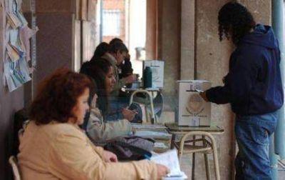Santa Fe va a las urnas con listas sábanas, colectoras y una sola interna