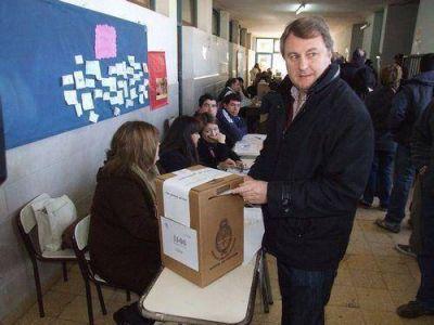Votaron los precandidatos a diputados del FAP